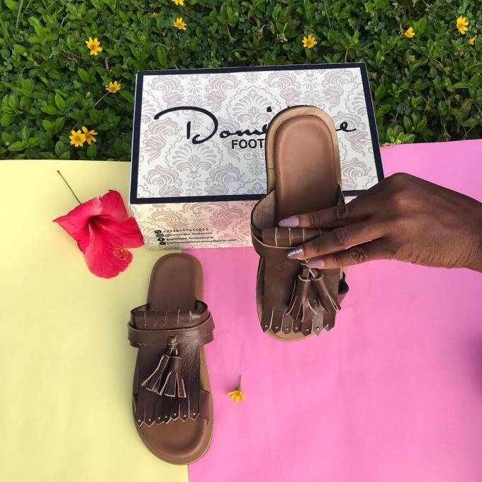 Brown leather cover Pam slippers :- Color: brown, material: leathe...