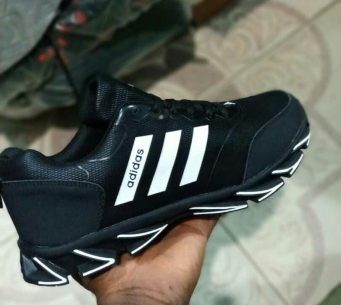 Black men's addidas :- Men's addidas, size- (41-45).
