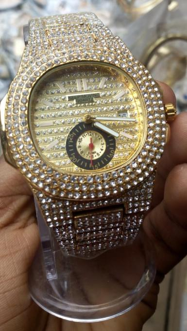 vivi gold and diamond watch - material: stainless steel
