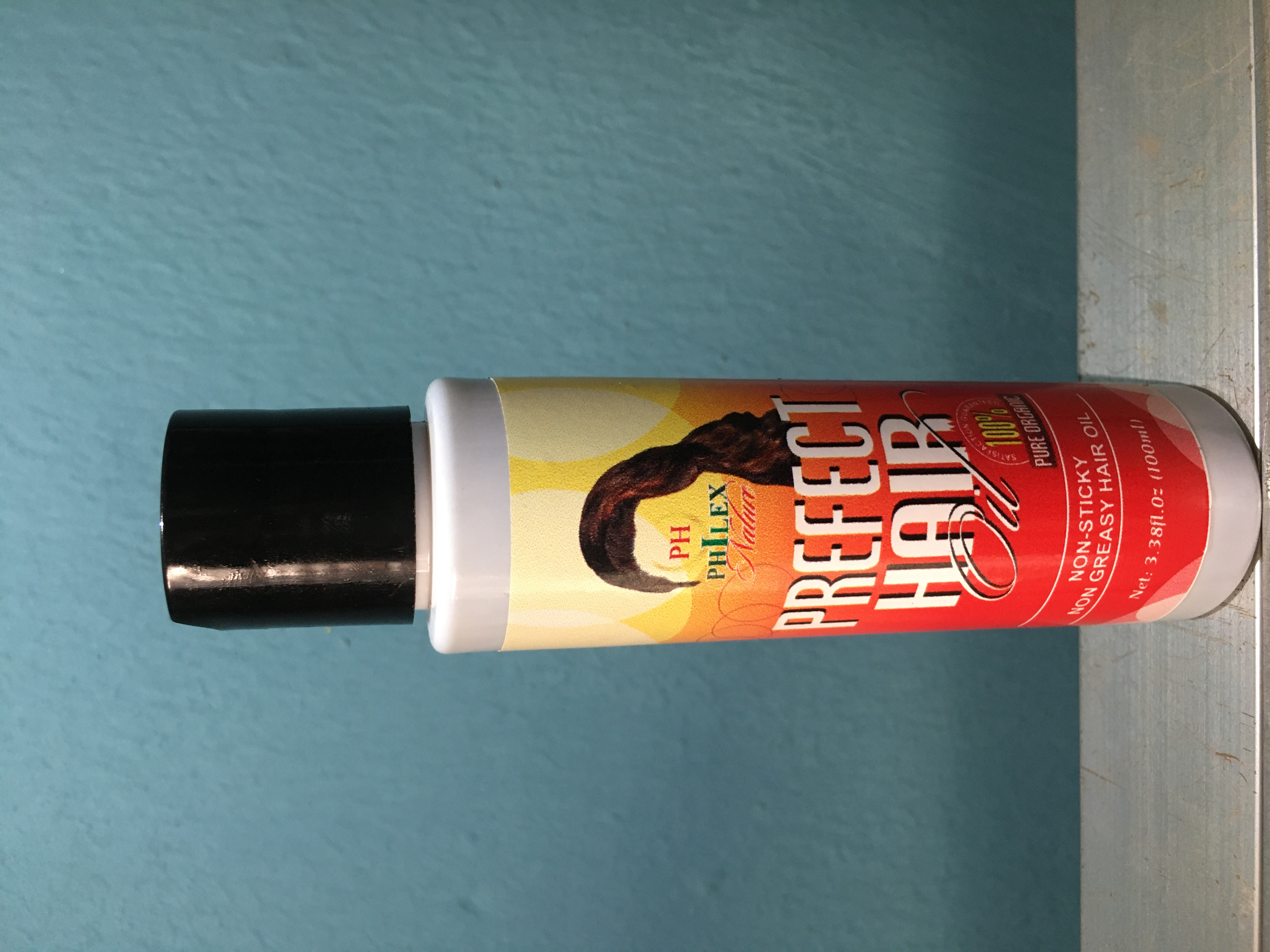 Perfect hair oil - Non-greasy and non-sticky.