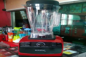 Sonik Japan commercial blender - Blends all veggies, beans, tig...